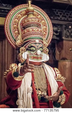 FORT COCHIN - FEBRUARY 16, 2013: Kathakali performer in the virtuous pachcha (green) role in Cochin on February 16, 2013 in Kerala, India. Kathakali is the ancient classical dance form of Kerala.