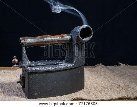 Retro Charcoal Iron