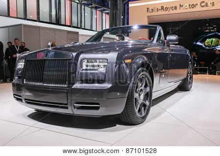 NEW YORK - APRIL 1: Rolls Royce exhibit at the 2015 New York International Auto Show during Press day,  public show is running from April 3-12, 2015 in New York, NY.