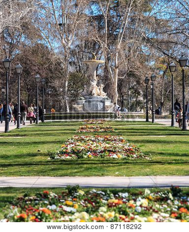 A sunny spring day in Buen Park, Madrid