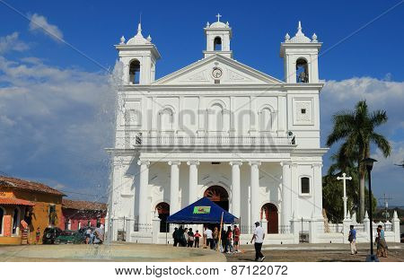 Church exterior, Suchitoto, El Salvador