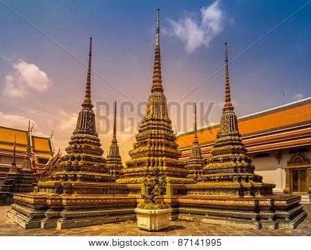 Wat Phra Chetupon Vimolmangklararm (Wat Pho) temple in Thailand.
