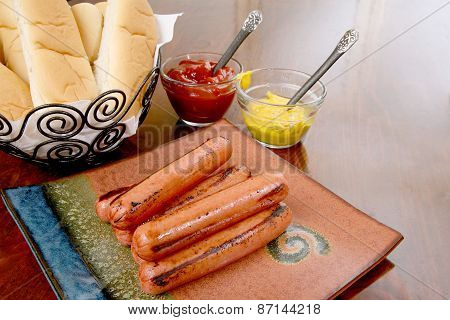 Grilled hot dogs ready to serve
