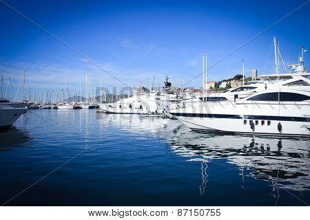 Cannes yacht-club