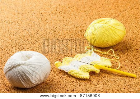 Roll Of White And Yellow Soft Knitting Yarn, Knitting, Needle