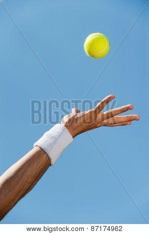 Serving Ball.