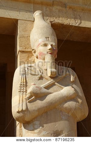 Statue of the Queen Hatshepsut in temple (Dayr el-Bahari or Dayr el-Bahri), part of the Theban Necropolis.