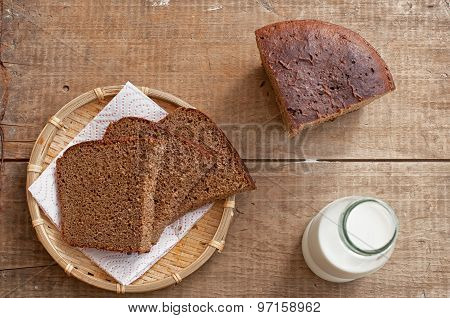 Milk And Rye Bread