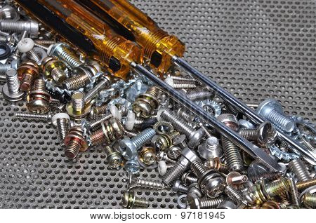 Screwdrivers and components bolts, nuts, washers, screws