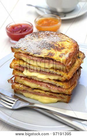 monte cristo sandwich with jam