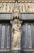 Westminster Abbey statue