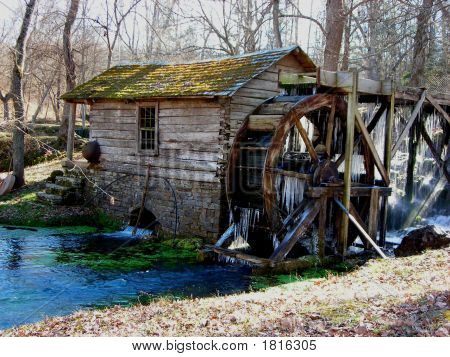 Reeds Spring Mill