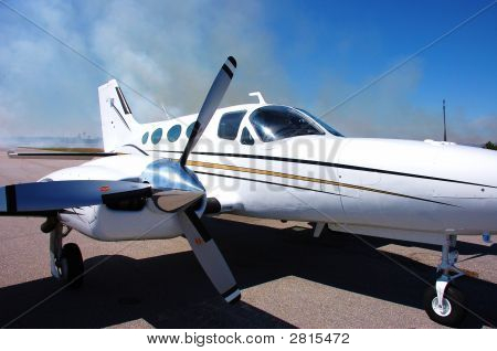 Cessna 421 Side View