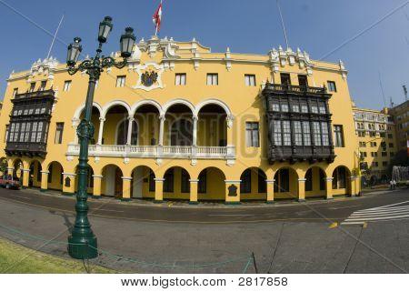 La Municipalidad De Lima