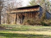 picture of tobacco barn  - Old tobacco barn built in the 1940 - JPG