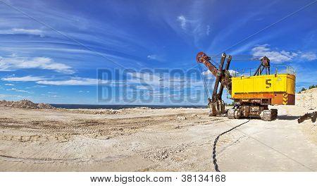 Escavadeira pesada