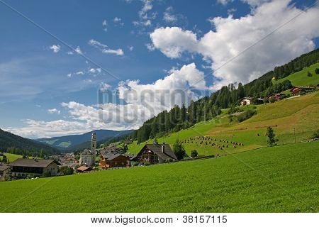 Sesto ( Sexten )- Val Pusteria - Dolomite Italy