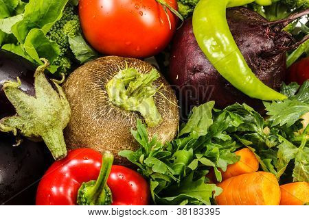 Fresh row vegetables
