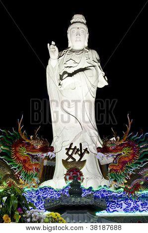 Night Kuan Yim Statue