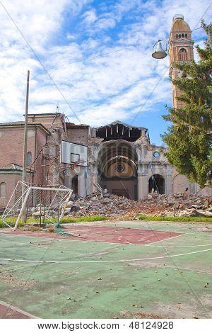 Earthquake Mirabello