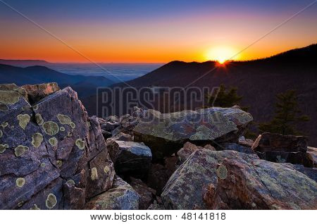 Sunset Over The Appalachian Mountains And Shenandoah Valley From Blackrock Summit, Shenandoah Nation