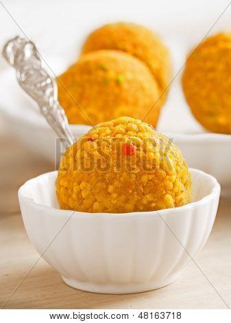 India Laddoo dulces