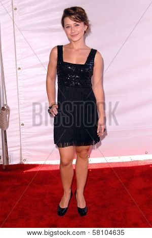 Olesya Rulin at the 2007 World Magic Awards to benefit Feed The Children. Barker Hangar, Santa Monica, CA. 10-13-07