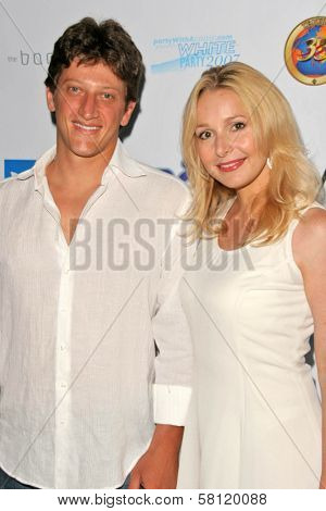 Josh Feinman and Elle Travis at the 2007 White Party benefitting Heal the Bay. W Hotel, Westwood, CA. 07-28-07