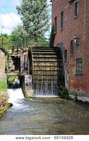 Working water wheel, Lower Slaughter.