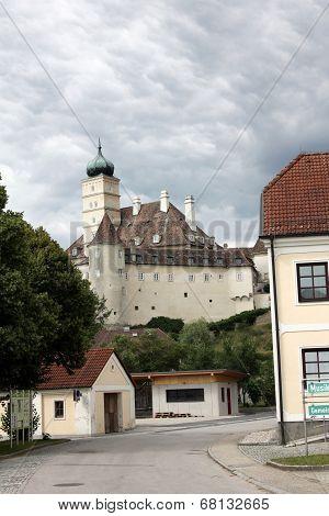 Schonbuhel Castle
