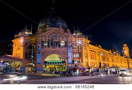 Melbourne: Flinders Station At Night
