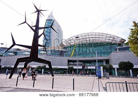 Modern  Sculpture And Vasco Da Gama Shopping Centre, Lisbon, Por