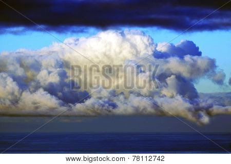Heavy clouds over the ocean