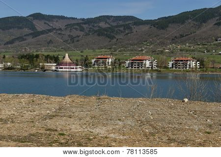 Balkan mountain, restored Praveshki   hanove (inn) and lake
