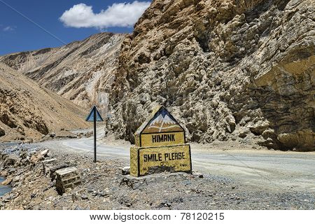 Sign Smile Please Nearby Mountain Road In Ladakh
