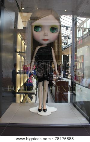 Bottega veneta window with big doll