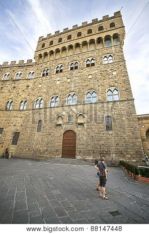 Old Palace (palazzo Vecchio) On Square Of Signora (piazza Della Signoria) In Florence In Italy In Su