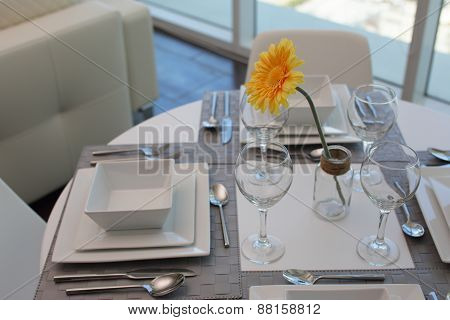 Modern kitchen table setup