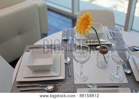 Modern kitchen table setup