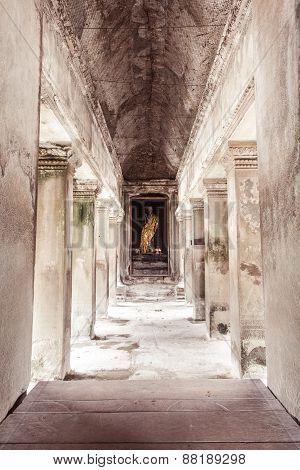 Ancient Buddha statue in Angkor Wat