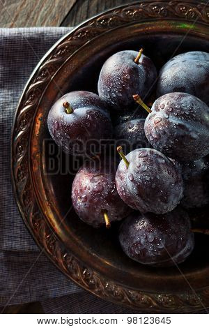 Organic Ripe Purple Prune Plums