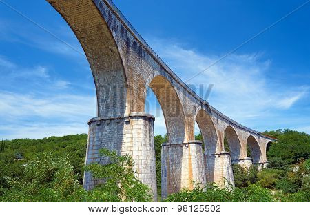 Stone, Railway viaduct over the River Ardeche