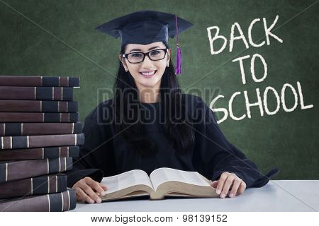 Sweet Student Back To School And Read Book