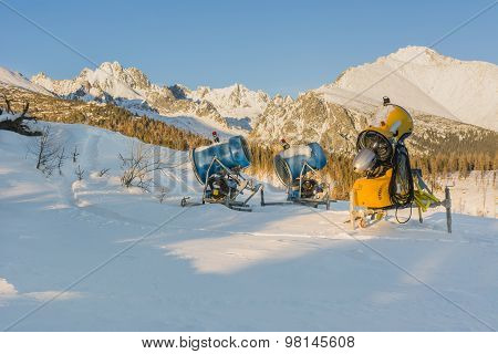 Equipment For Artificial Snow