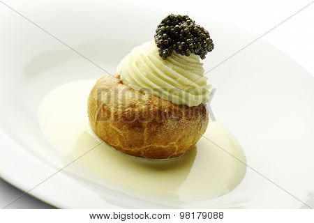 Appetizer Potato In Pastry Butter White Sparkling Wine Mousse And Caviar
