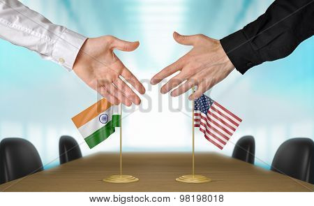 India and United States diplomats agreeing on a deal