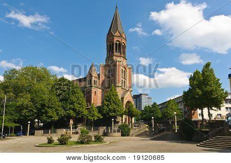 Kreuzeskirche Side View