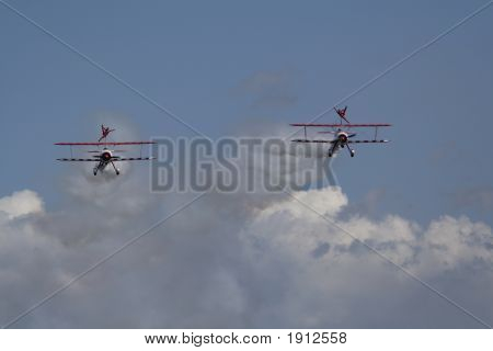 Team Guinot Wingwalkers