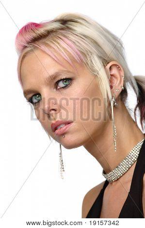 Gorgeous Mädchen mit Piercings und Schmuck, isolated on white