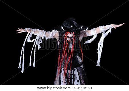 retrato de mulher de vampiro com maquiagem de palco isolada em preto